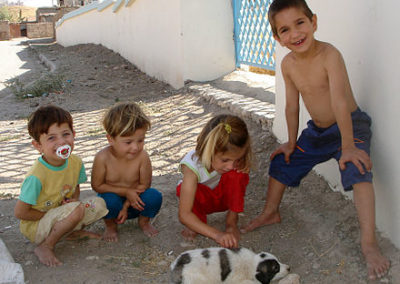 440px-Children_puppy_sulaimania