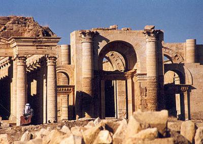 440px-Hatra_ruins