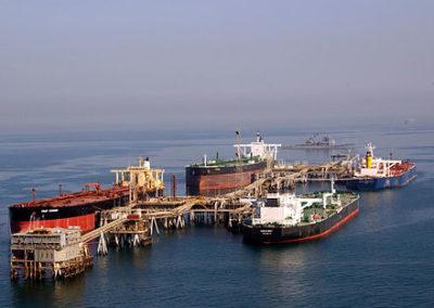 440px-Tankers_at_the_Iraqi_Al_Basra_Oil_Terminal_in_the_Northern_Arabian_Gulf