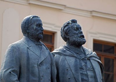 Ilia_akaki_statue