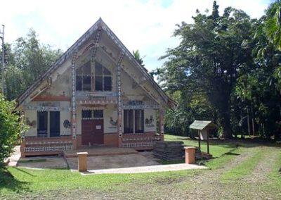 A_traditional_Palauan_hut,_2012