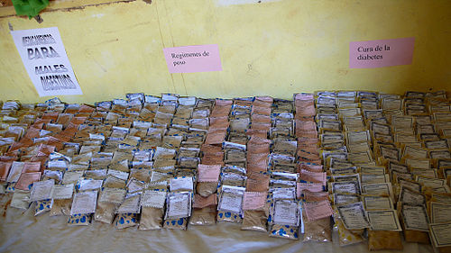 Productos_naturales_en_la_farmacia_de_Dajla_-_Saharauiak
